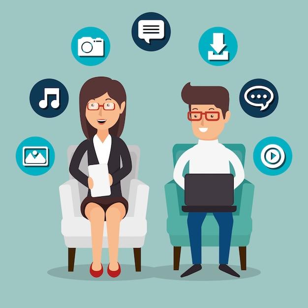 Personnes travaillant avec des icônes de médias sociaux Vecteur gratuit