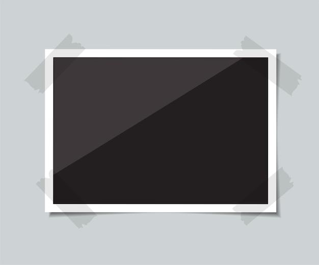Une Photo Vide Avec Une Ombre Est Collée Avec Du Ruban Adhésif. Illustration. Vecteur Premium