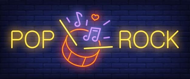 Pop, rock texte néon avec batterie, baguettes et notes de musique Vecteur gratuit