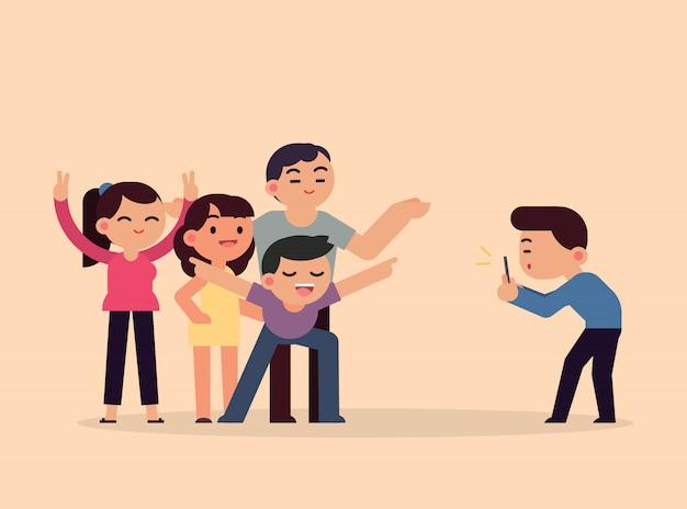 Prendre des photos heureux amis souriants avec smartphone, les jeunes s'amuser concept, illustration vectorielle plane. Vecteur Premium