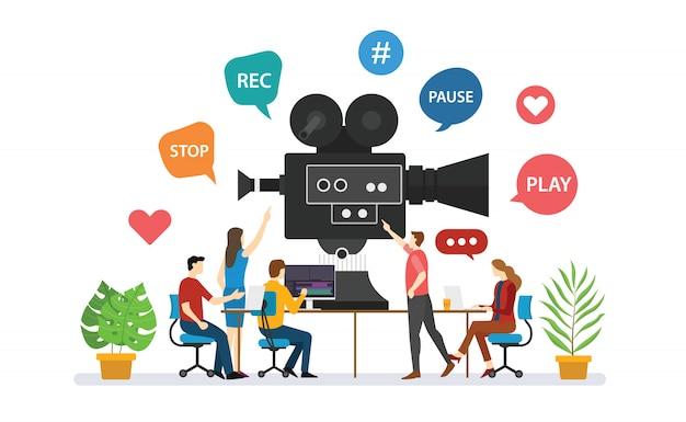 Production Vidéo D'équipe Pour La Réalisation De Films Avec Discussion De Gens Avec Style Plat Moderne - Vecteur Vecteur Premium