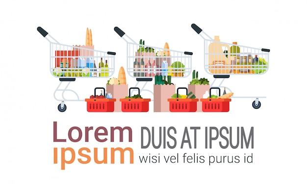 Produits D'épicerie Dans Un Sac En Papier, Des Chariots Et Un Panier à Provisions Isolé Vecteur Premium