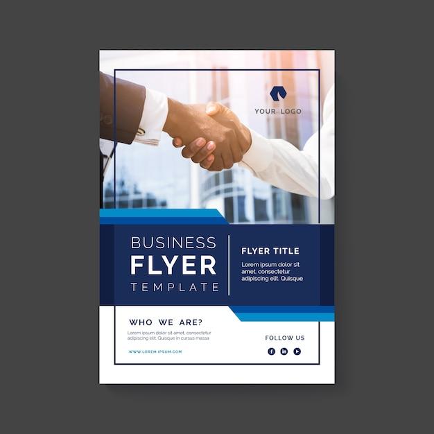 Résumé du dépliant d'affaires avec photo Vecteur gratuit