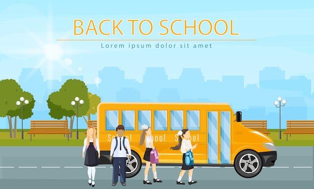 Retour au bus scolaire. enfants en cours d'exécution pour entrer dans l'illustration de style plat d'autobus scolaire Vecteur Premium