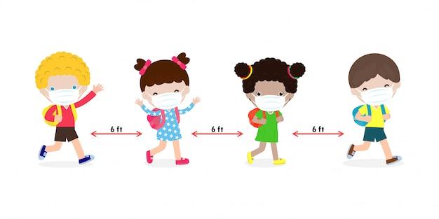 Retour à L'école Pour Un Nouveau Concept De Mode De Vie Normal. Enfants Heureux Portant Un Masque Facial Et Distanciation Sociale Vecteur Premium