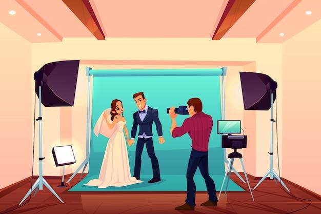 Séance photo en studio de mariage avec les mariés Vecteur gratuit