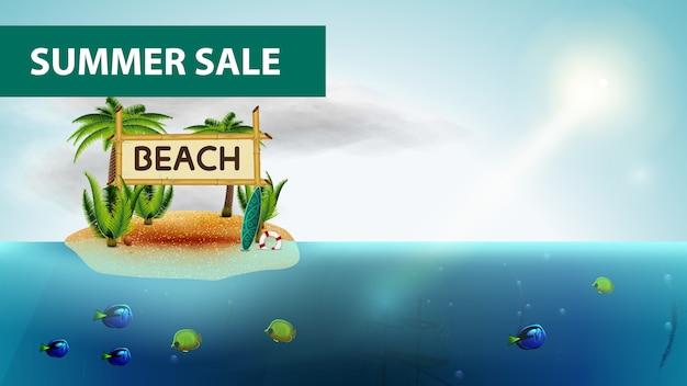 Soldes d'été, bannière web horizontale de la mer avec des cocotiers Vecteur Premium