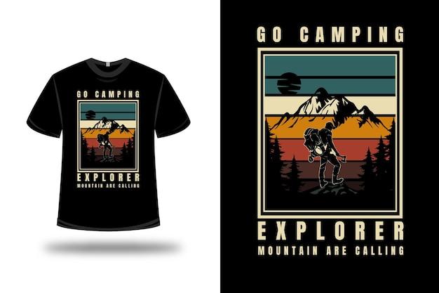 Tee Shirt Go Camping Explorer Montagne Appelez Couleur Vert Jaune Et Marron Vecteur Premium