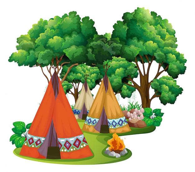 Terrain de camping avec tipis et feu de camp Vecteur gratuit
