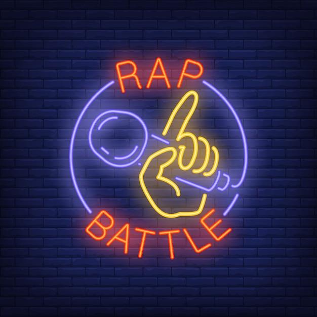 Texte de néon de bataille de rap et main tenant le microphone. Vecteur gratuit