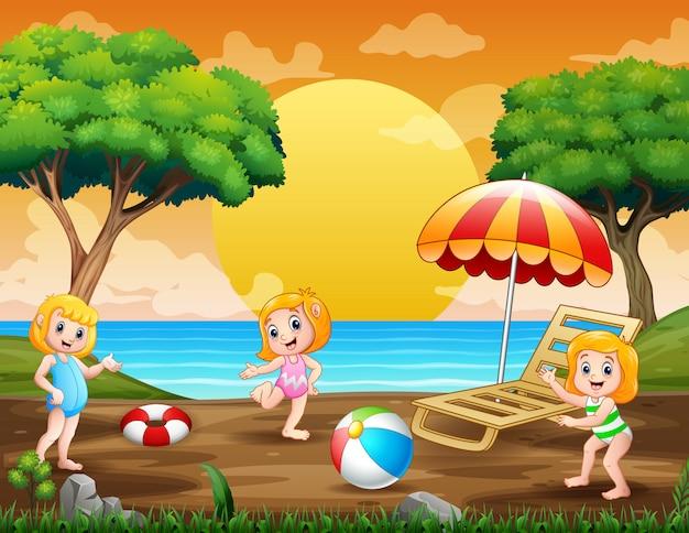 Vacances D'été Avec Des Enfants Jouant Au Bord De La Mer Vecteur Premium