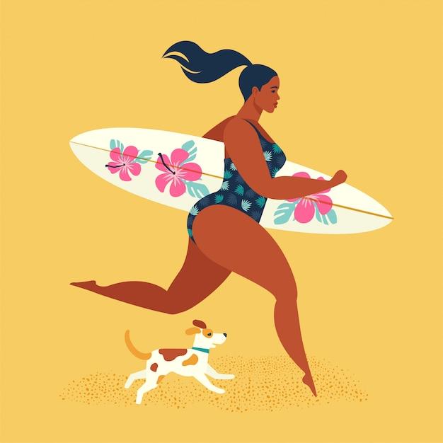 Vacances d'été. fille surfeuse en cours d'exécution avec un chien. Vecteur Premium