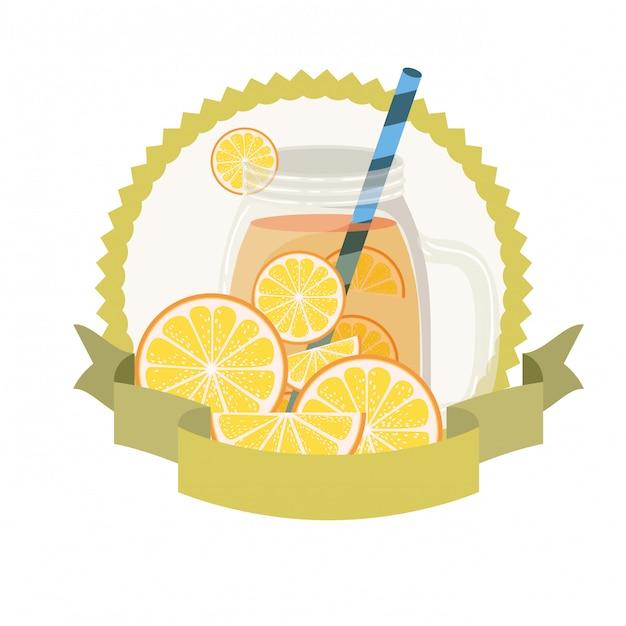 Verre avec boisson orange et paille Vecteur Premium