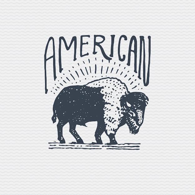 Vintage Ancien Logo Ou Insigne, étiquette Gravée Et Ancien Style Dessiné à La Main Avec Taureau De Buffle Américain Sauvage Vecteur Premium