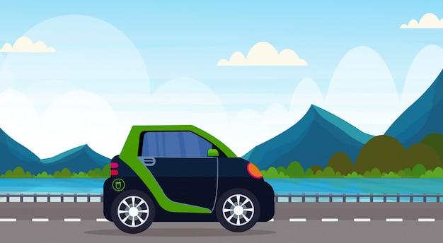 Voiture électrique Conduite Autoroute Route écologique Véhicule Propre Transport Environnement Soins Concept Belle Montagnes Rivière Paysage Fond Horizontal Vecteur Premium