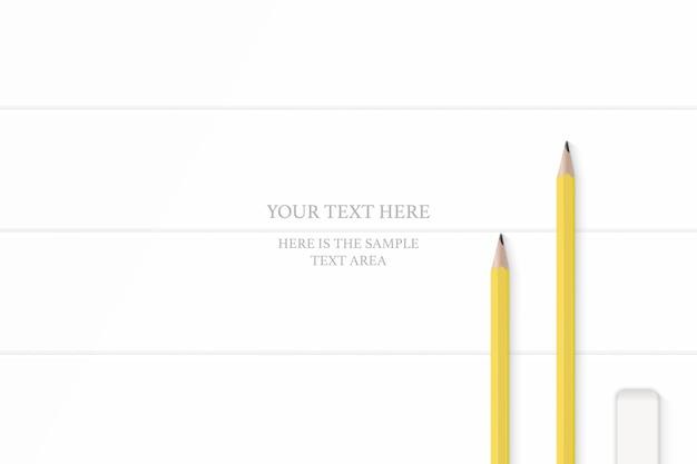 Vue De Dessus élégante Gomme à Crayons Jaunes Composition Blanche Sur Fond De Plancher En Bois. Vecteur Premium