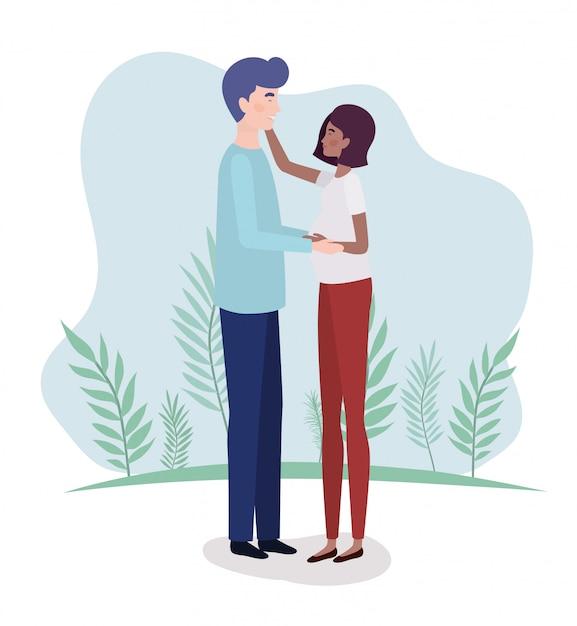 Amantes interraciales pareja de personajes de embarazo en el paisaje. vector gratuito