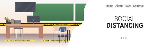 Aula escolar con carteles de distanciamiento social pegatinas amarillas coronavirus medidas de protección epidémica copia espacio horizontal Vector Premium