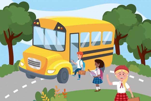 Autobús escolar con niños y niñas. vector gratuito