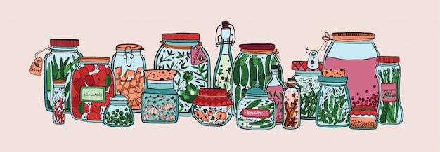 Banner horizontal con frutas, verduras en escabeche y especias en frascos y botellas dibujadas a mano en blanco Vector Premium