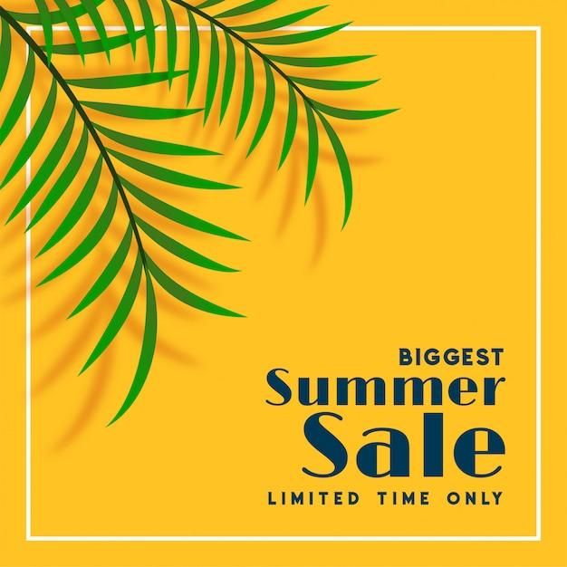 Banner de venta de verano con hojas tropicales. vector gratuito