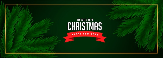 Banner verde feliz navidad con hojas de pino vector gratuito