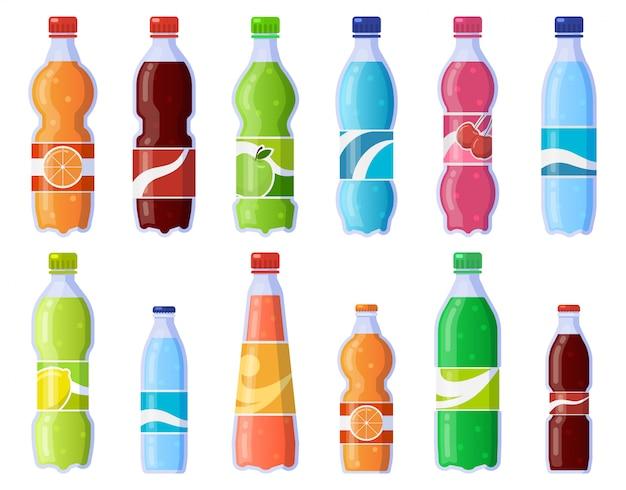 Botellas de bebidas gaseosas. refrescos en botella de plástico, refrescos con gas y jugos. conjunto de iconos de ilustración de bebidas gaseosas. botella de bebida, colección de jugo de soda de agua Vector Premium
