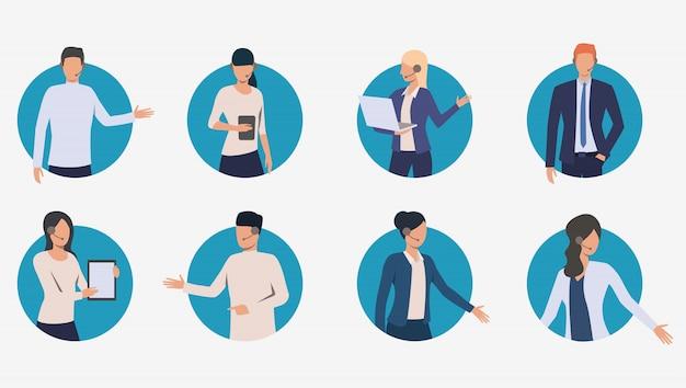 Call center managers hablando con clientes banner vector gratuito