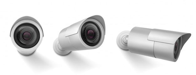 Cámara de seguridad en diferentes vistas. vector conjunto realista de cámara de circuito cerrado de televisión, sistema de observación, control de video de seguridad. vector gratuito