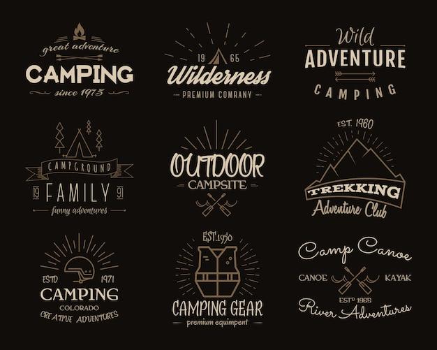 Campamento de colección de insignias de aventura. gráficos de logotipos de senderismo retro. emblemas de camping e insignias de viaje. colores vintage. Vector Premium