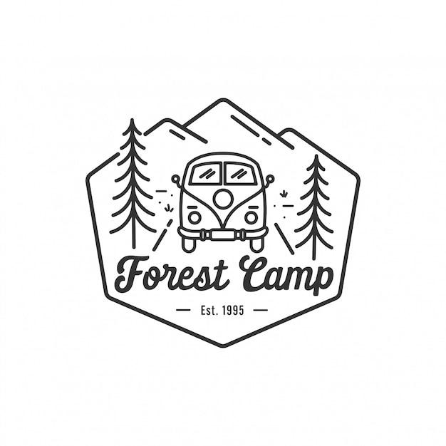 Camping al aire libre y aventura logo, insignia y emblema ilustración vectorial Vector Premium
