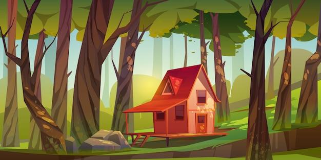 Casa de madera en bosque o jardín. vector gratuito
