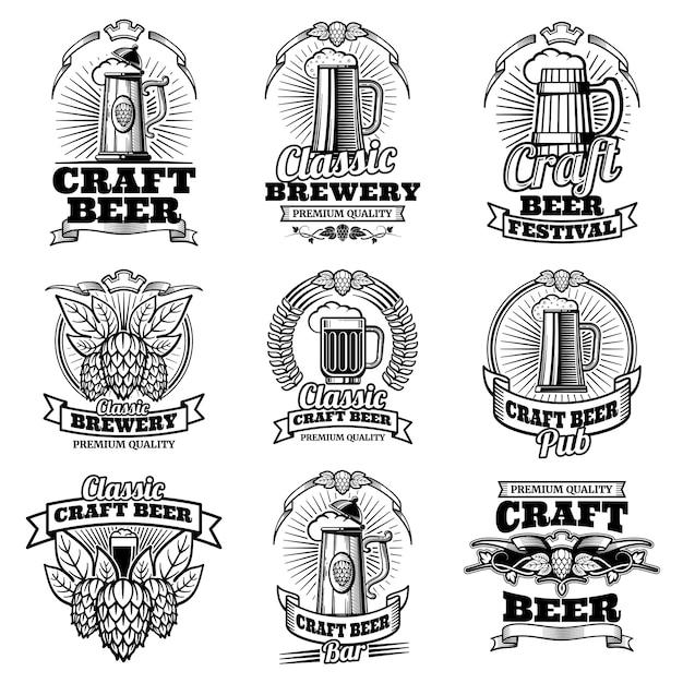 Cervezas retro pub vector emblemas. etiquetas de elaboración artesanal tradicionales. Vector Premium