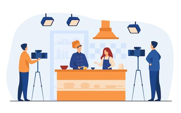 Chef preparando comida en el popular programa de televisión aislado ilustración vectorial plana. gente de dibujos animados cocinando ensalada de frutas en la cámara. vector gratuito