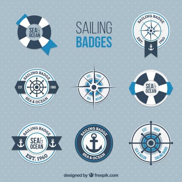 Colección de bonitas insignias marineras en diseño plano vector gratuito