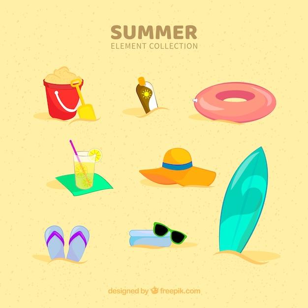 12f4f8ed3 Colección de elementos de playa con ropa en estilo plano | Descargar ...