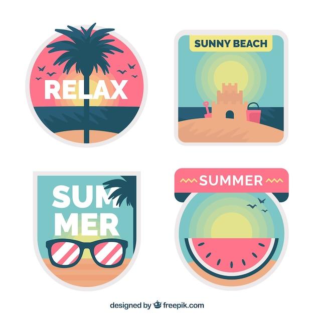 Colección de etiquetas de verano en diseño plano vector gratuito
