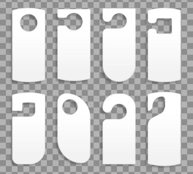 Colgadores de puerta para una habitación en un hotel o resort aislado sobre fondo transparente. colección de varias etiquetas de colgadores de puerta en blanco o plantillas de etiquetas sin texto. no molestar. ilustración Vector Premium