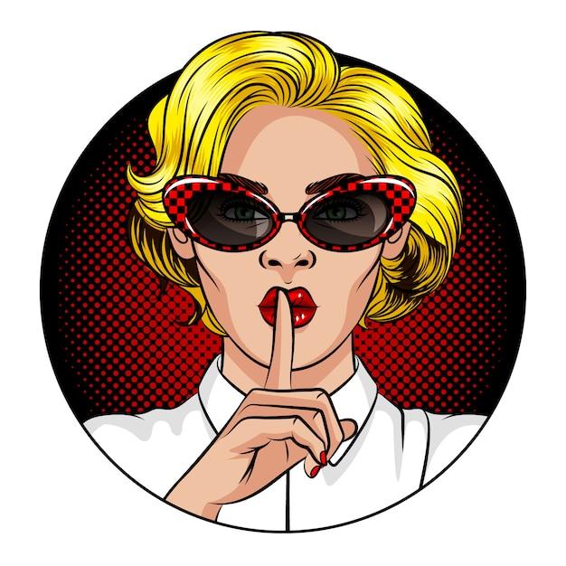 Color ilustración vectorial en el estilo del cómic pop art. una mujer con cabello rubio y labios rojos. la mujer sostiene el dedo índice en la boca. la mujer muestra una señal de silencio. mujer con gafas vintage Vector Premium