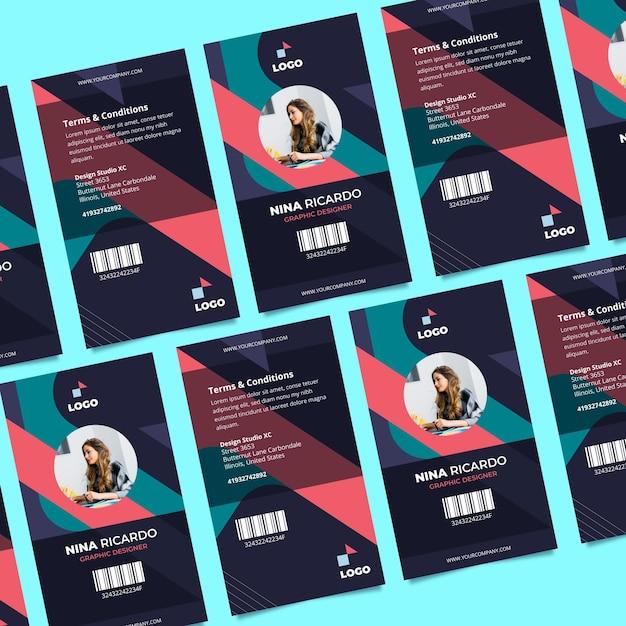 Concepto abstracto de plantilla de tarjetas de identificación vector gratuito