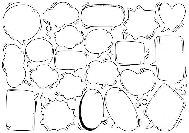 Conjunto de burbujas de discurso lindo dibujado a mano en estilo doodle Vector Premium