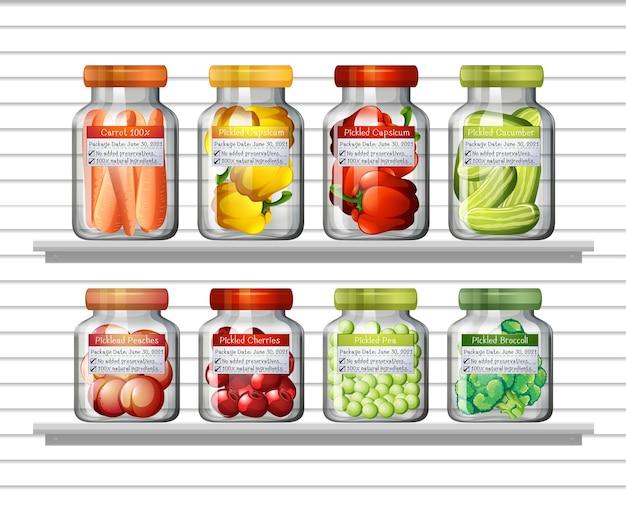 Conjunto de diferentes verduras en diferentes frascos y alimentos enlatados en estantes de pared vector gratuito