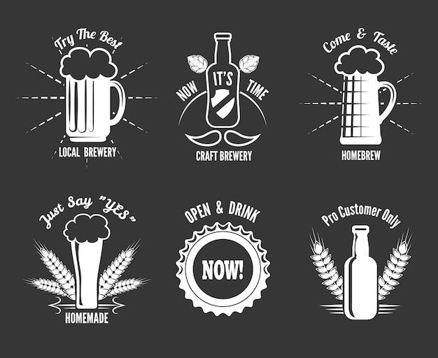 Conjunto de etiquetas de cerveza artesanal vector gratuito