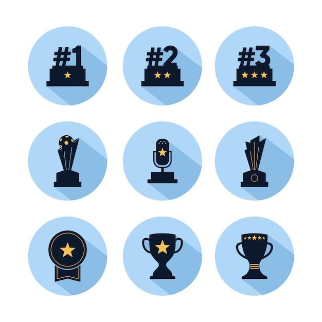Conjunto de iconos de trofeo, recompensa para campeones con estrella aislada en círculo azul Vector Premium