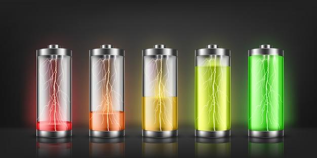 Conjunto de indicadores de carga de la batería con destellos de rayos, con niveles de energía bajos y altos. vector gratuito