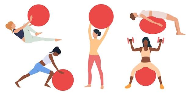 Conjunto de mujeres haciendo ejercicio con bolas suizas. vector gratuito