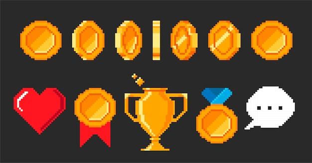 Conjunto de objetos de videojuegos de píxeles. animación de monedas para un juego retro de 16 bits. copa de píxeles, corazón, recompensa, premio, medalla, discurso de burbuja. ilustración en estilo de juego retro aislado sobre fondo negro. Vector Premium