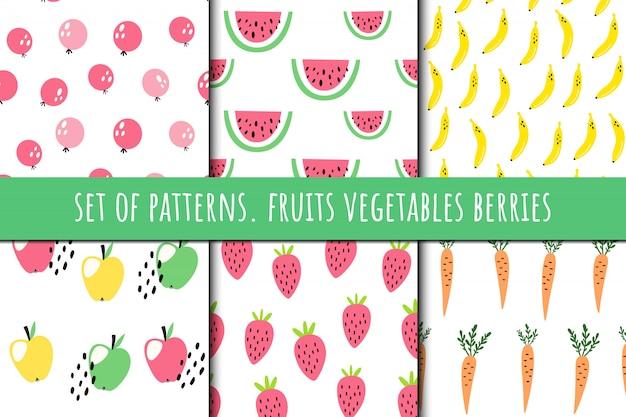 Conjunto de patrones sobre frutas y verduras. Vector Premium