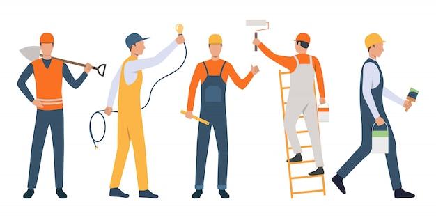 Conjunto de trabajadores modernos reparando casa vector gratuito