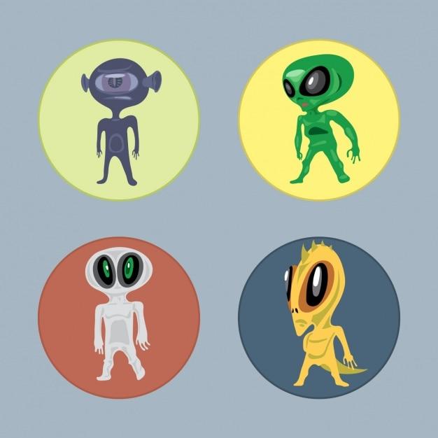 Cuatro aliens vector gratuito